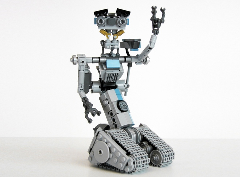 Johnny Five robot in Lego