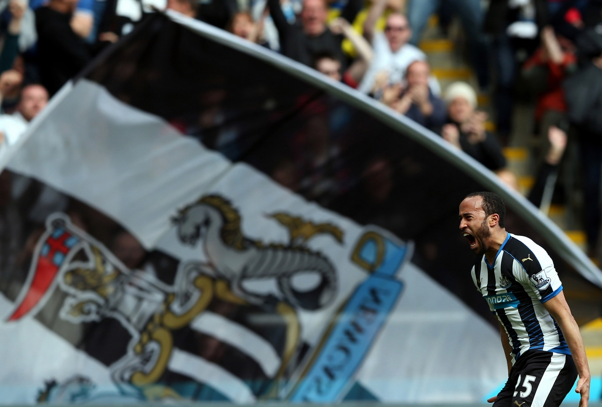Andros Townsend celebrates his goal