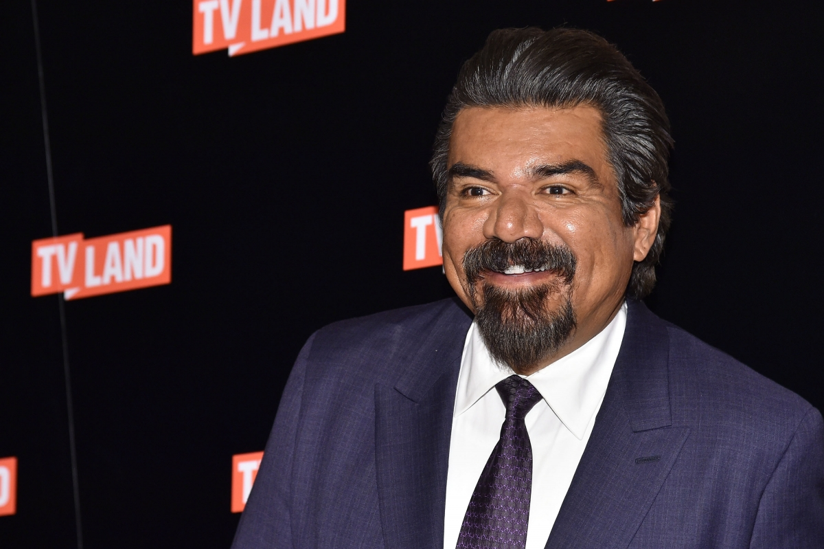 George Lopez Offers Prince S Relatives 163 20 000 Handout As