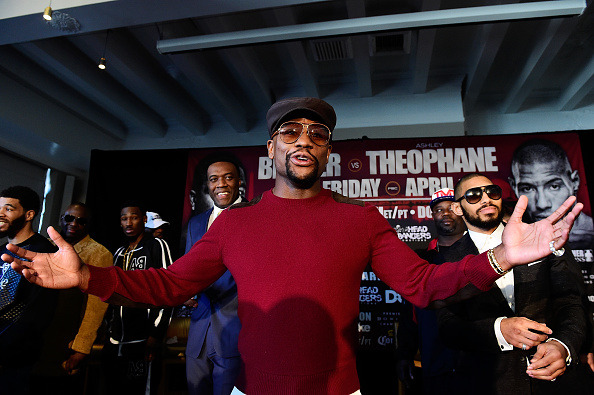 floyd mayweather hints at a comeback