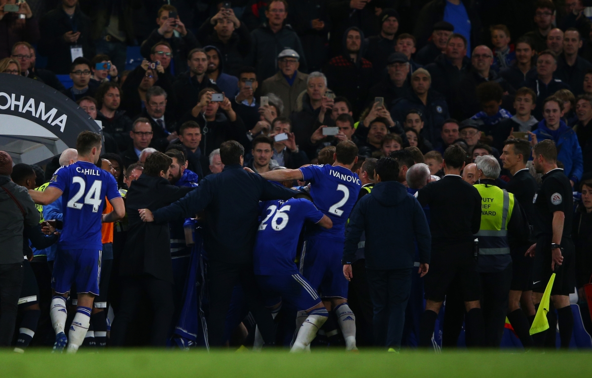 Tottenham and Chelsea players scuffle