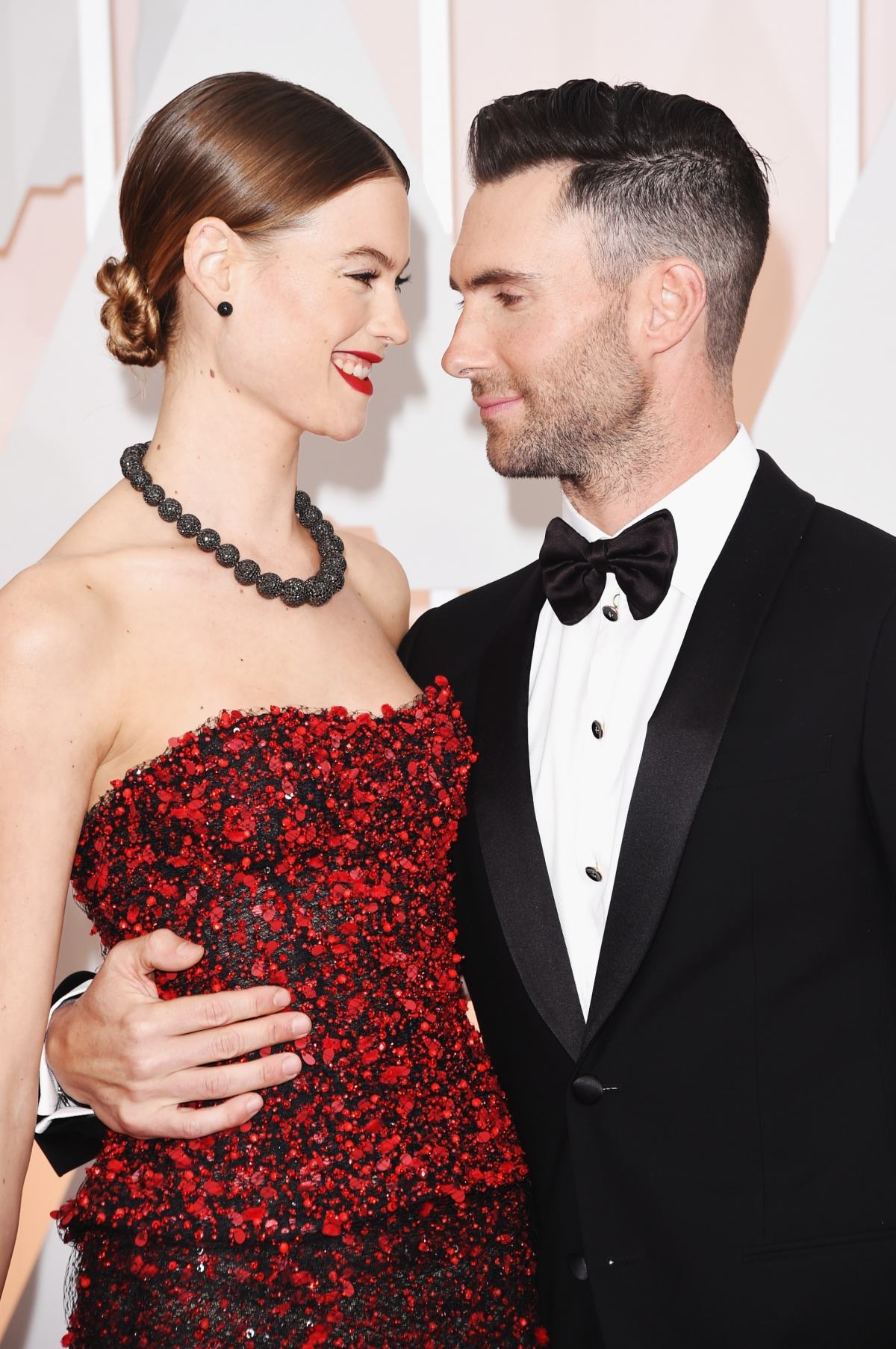 maroon five singer dating Adam levine reveals his dating secrets adam levine image by - photobucket ahhhh, that smile maroon 5 singer adam levine is working on another project with nbc.