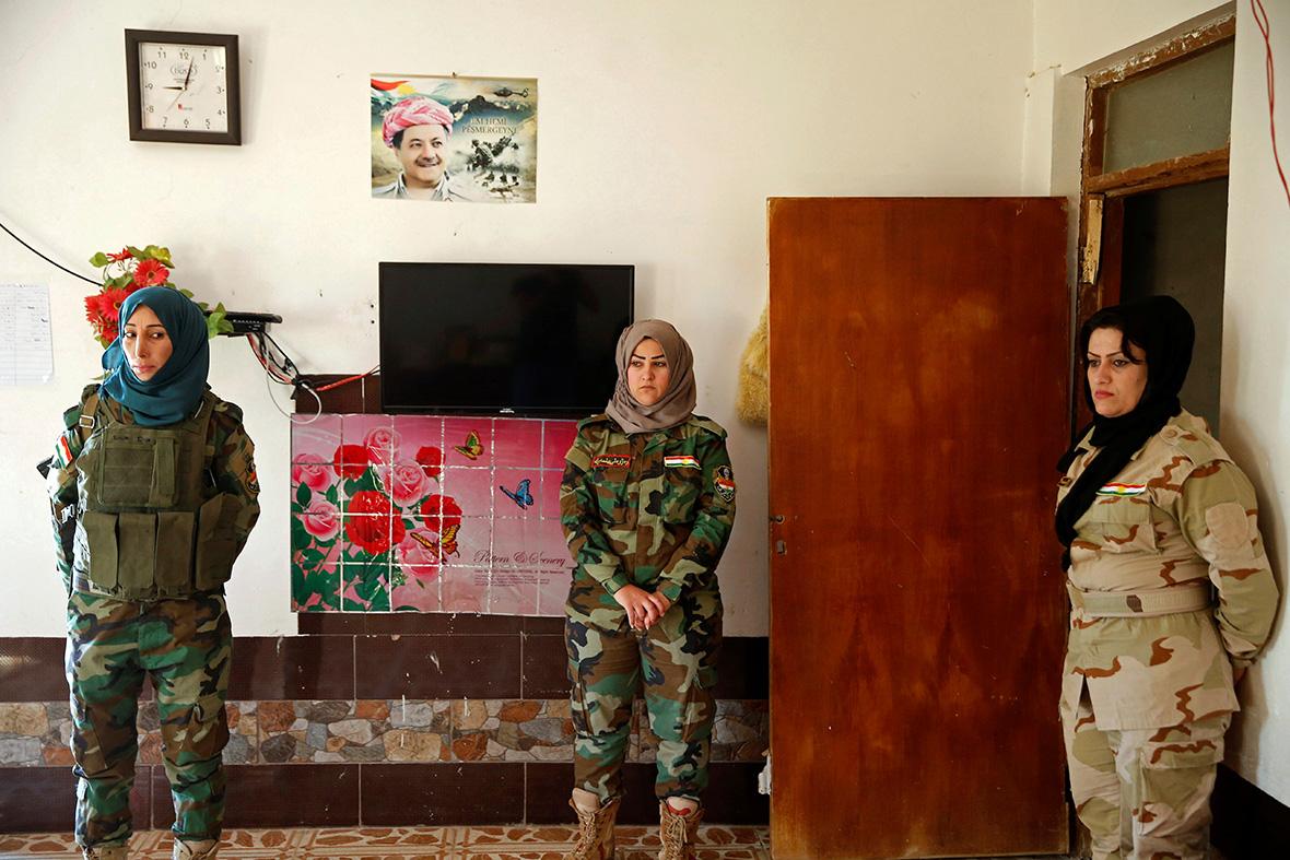 Yazidi women fighters