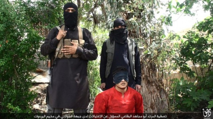 Isis vs AQ