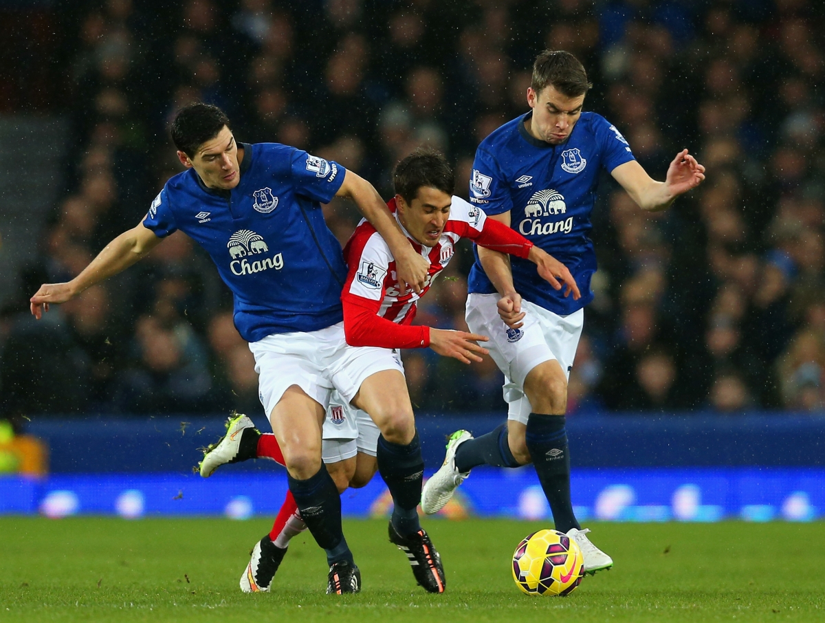 Gareth Barry (left) and Seamus Coleman