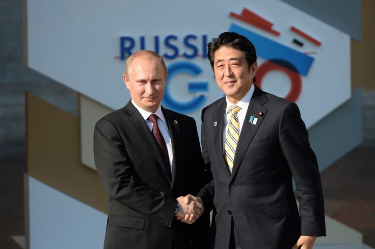 Vladiri Putin and Shinzo Abe