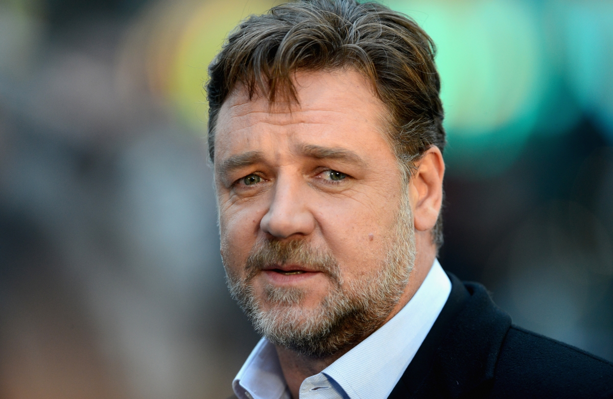 Russell Crowe: Gladiator actor shows off fuller physique ...