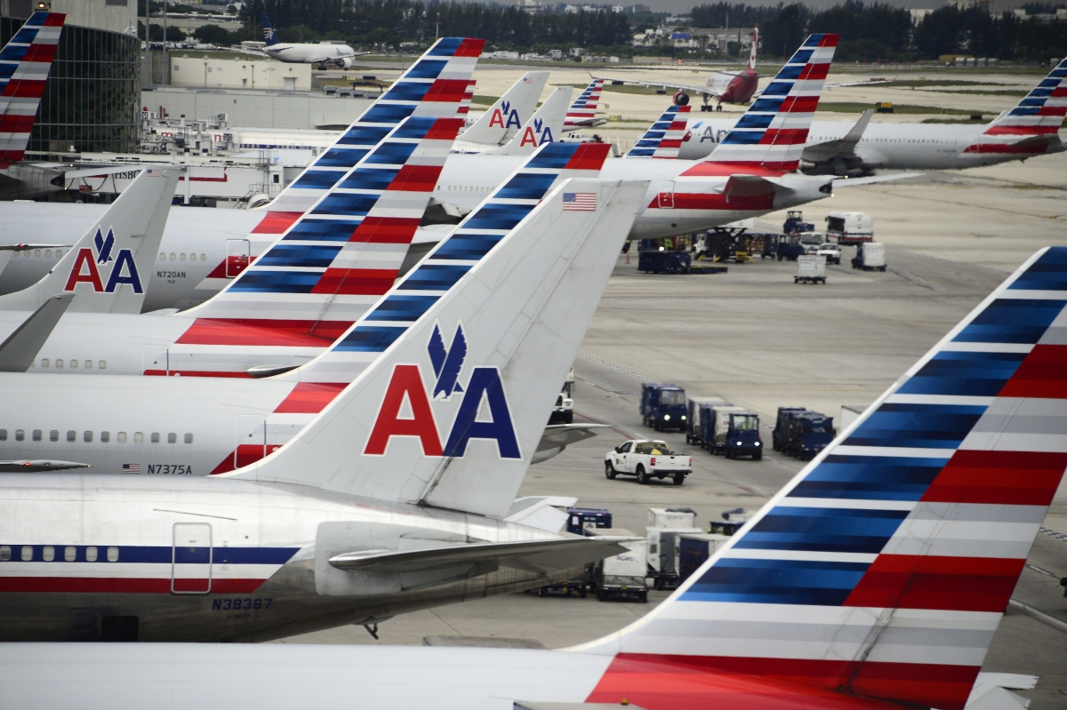 us airlines Us market • 100 cerficated passenger airlines operate over 11 million flight departures per year • carry.