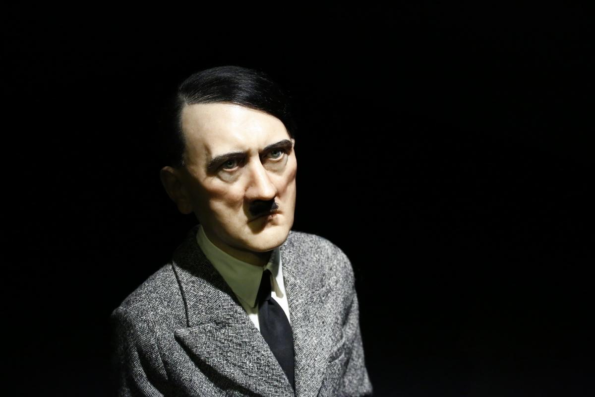 Hitler statue