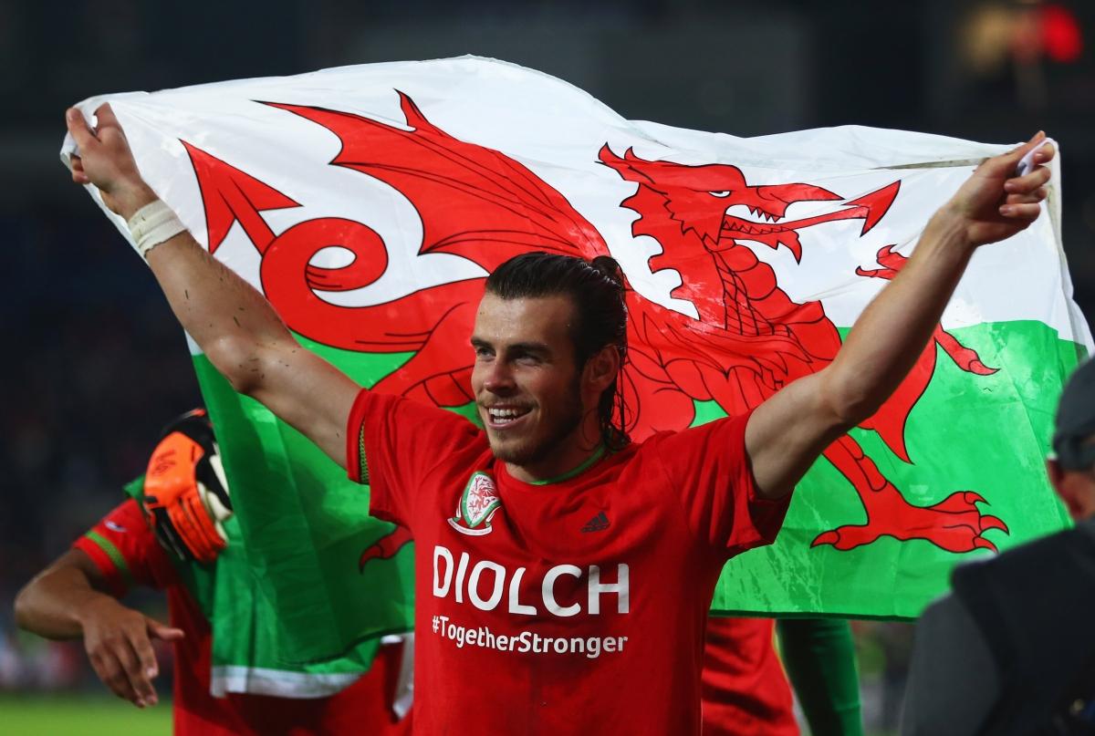 Wales Euro 2016 Team Profile Gareth Bale Gives Chris