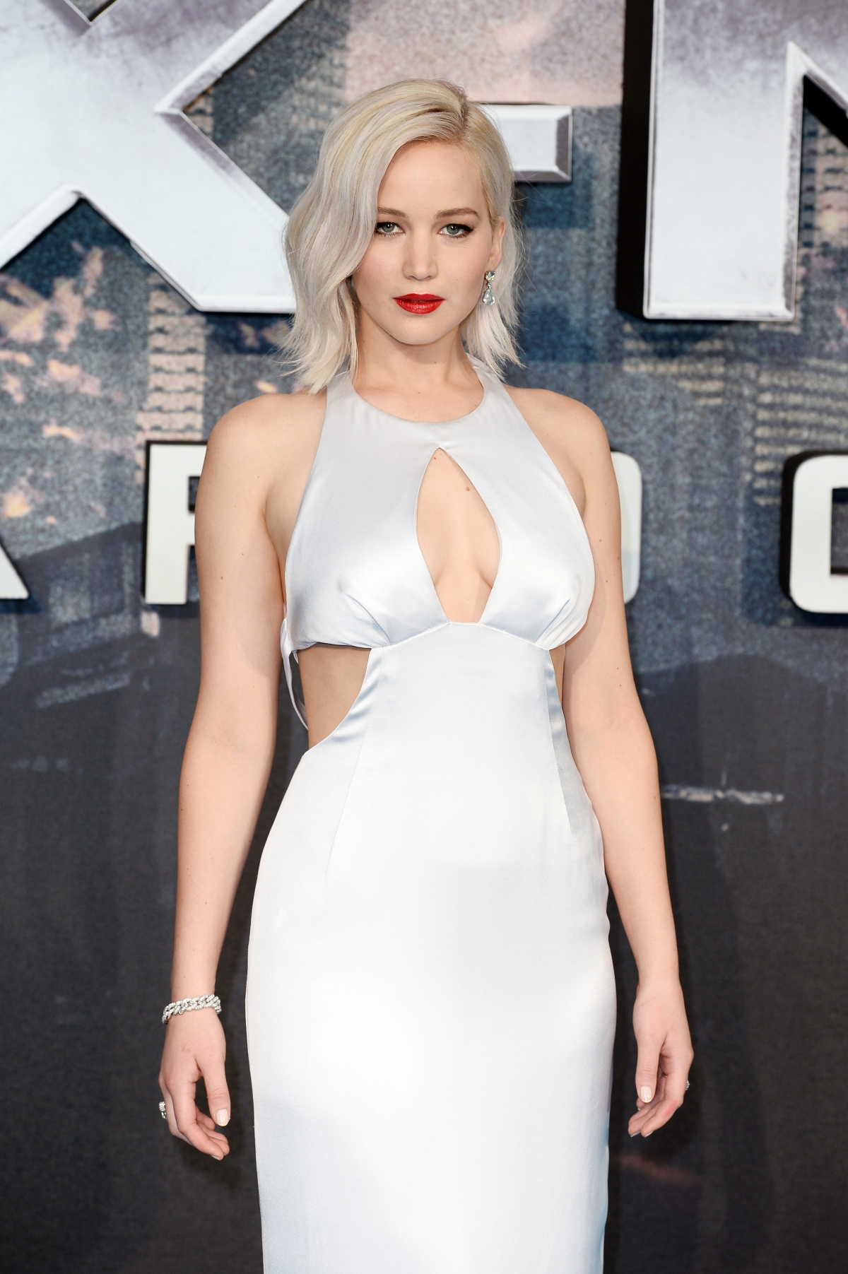 Jennifer Lawrence was held in London customs 'jail' for ...