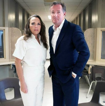 Killer Women With Piers Morgan Angel Faced Murderer Erin Caffey Creates Twitter Storm Piers morgan steps into a maximum security prison to interview five female murderers who have committed unspeakable crimes. killer women with piers morgan angel