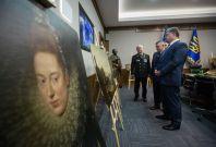 Poroshenko stolen art