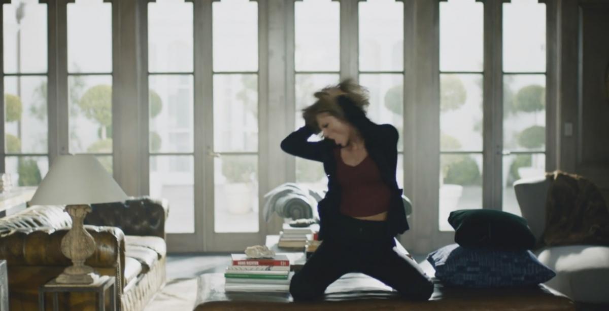 Taylor Swift Apple ad