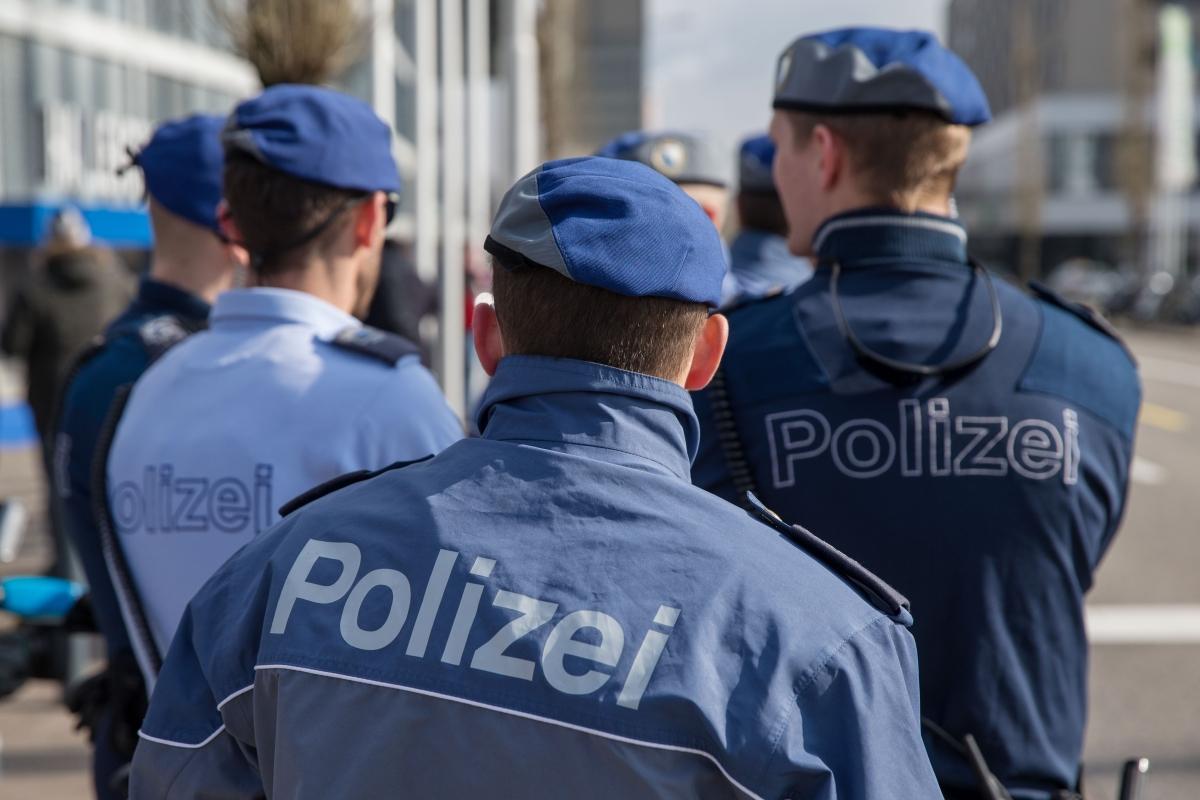 Polizei investigating string of murders