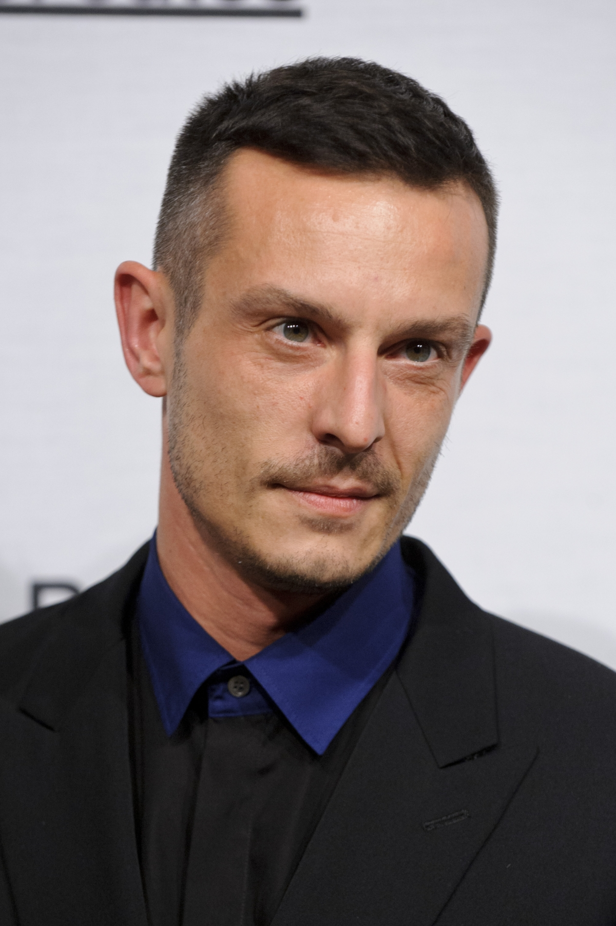 jonathan saunders moves to DVF