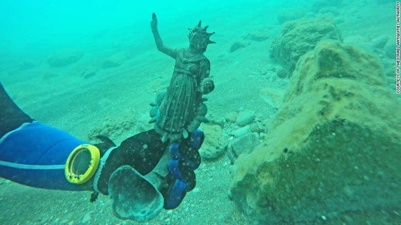Rare bronze statues from the Roman period discovered by divers
