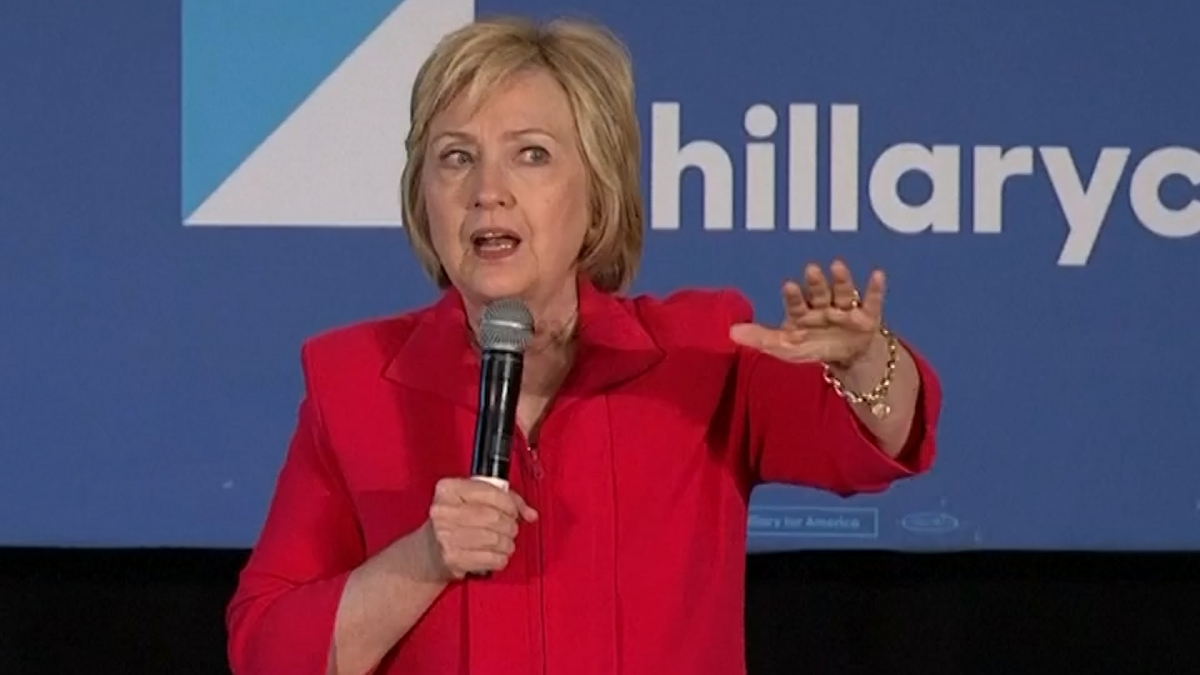 Hillary Clinton: Donald Trump's foreign policy is 'offensive and dangerous'