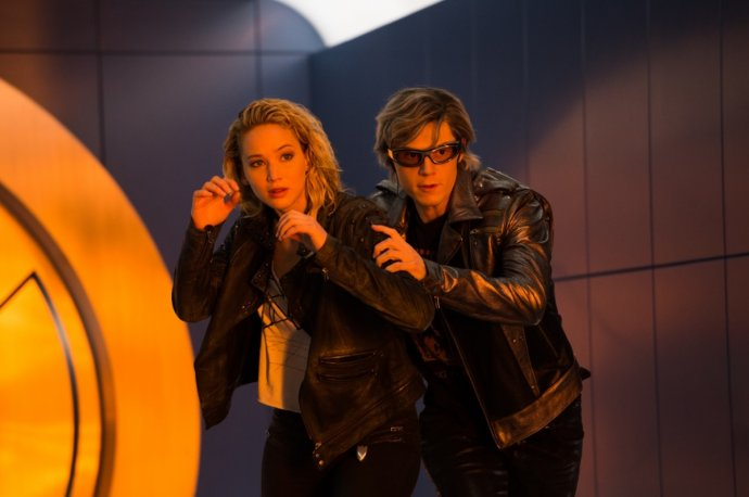 Jennifer Lawrence and Evan Peters in X-Men