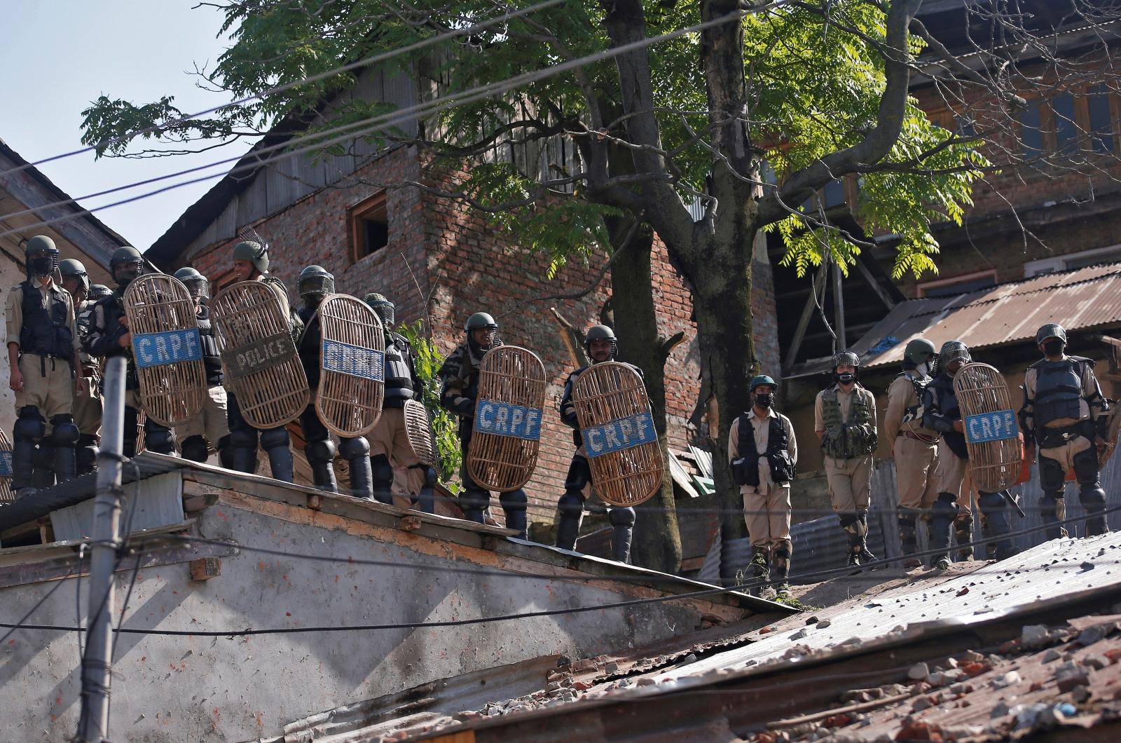 India Srinagar Kashmir shooting