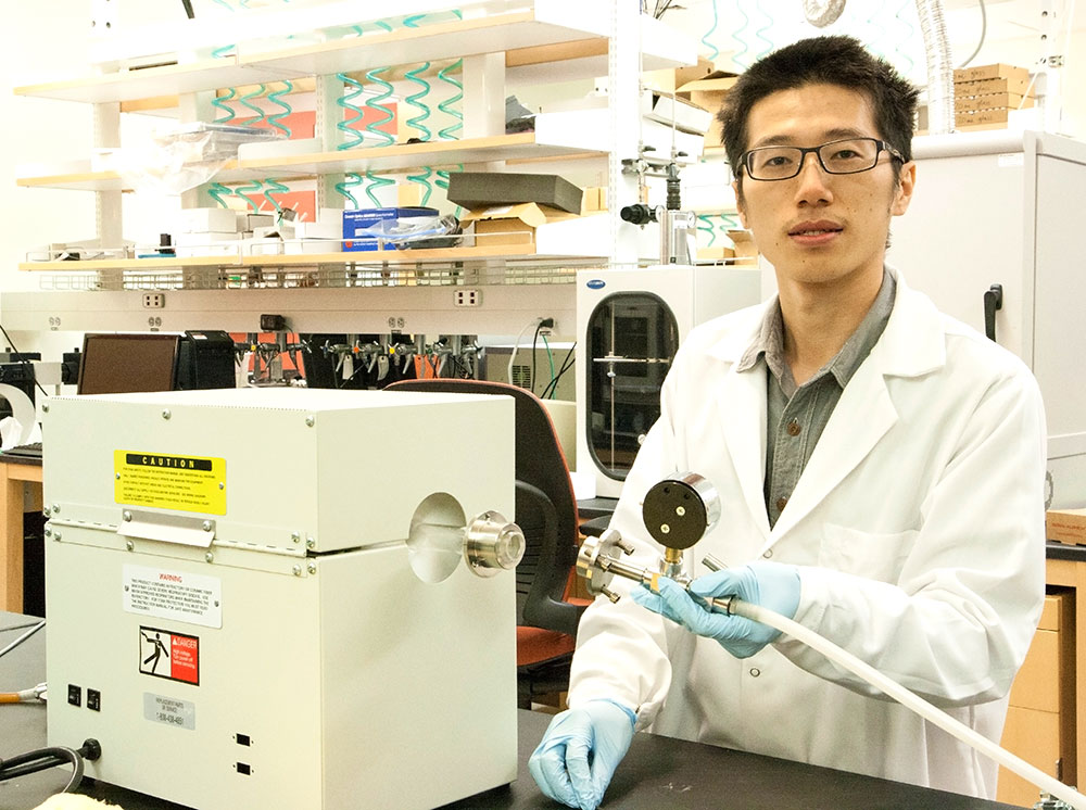UT Dallas create lithium-air battery breakthrough