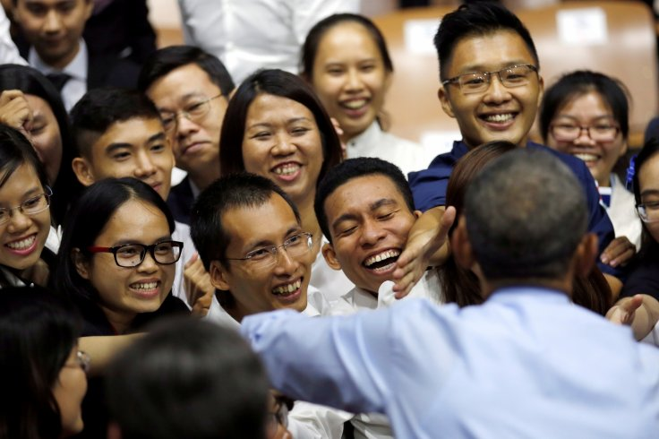 Obama meets young Vietnamese leaders
