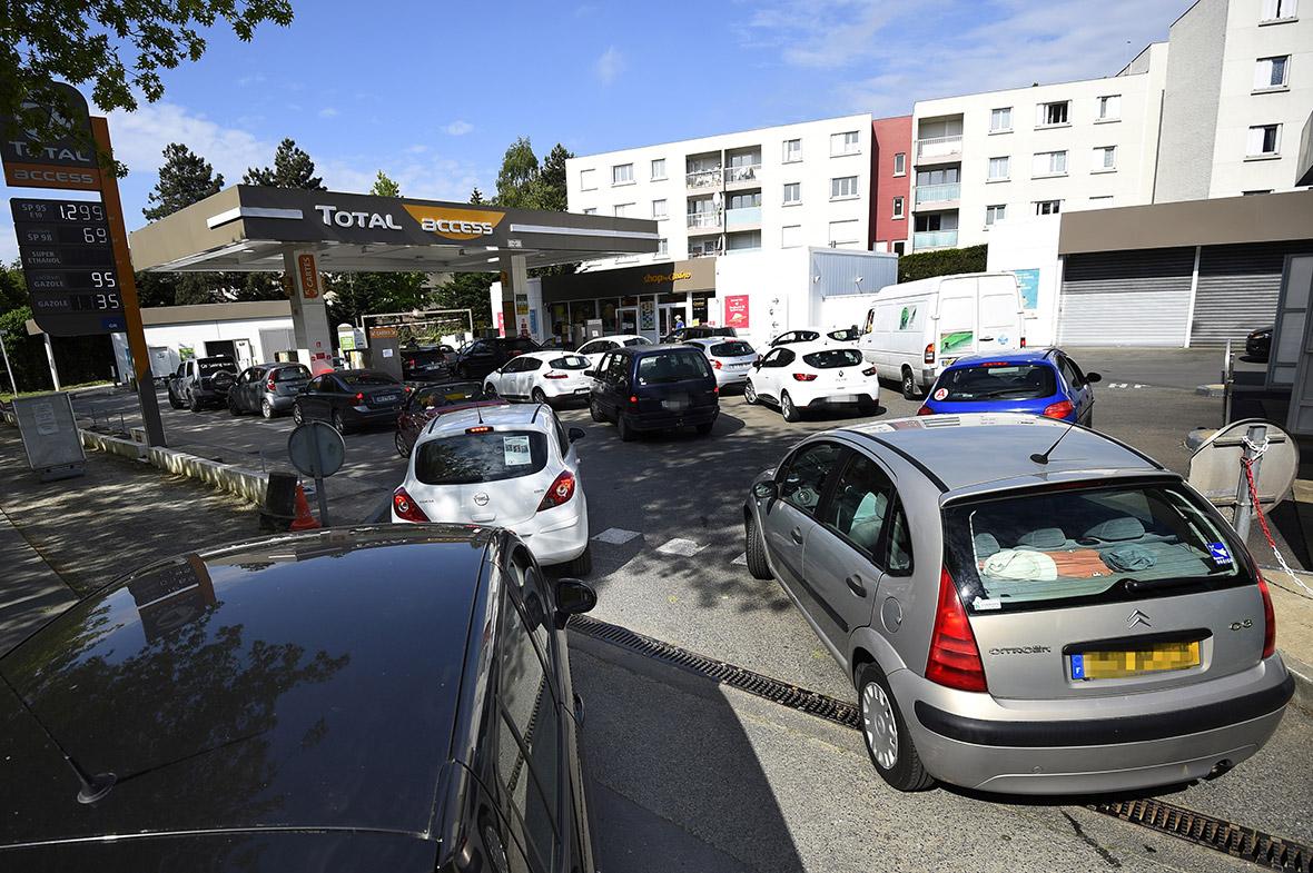 France fuel petrol strike shortage