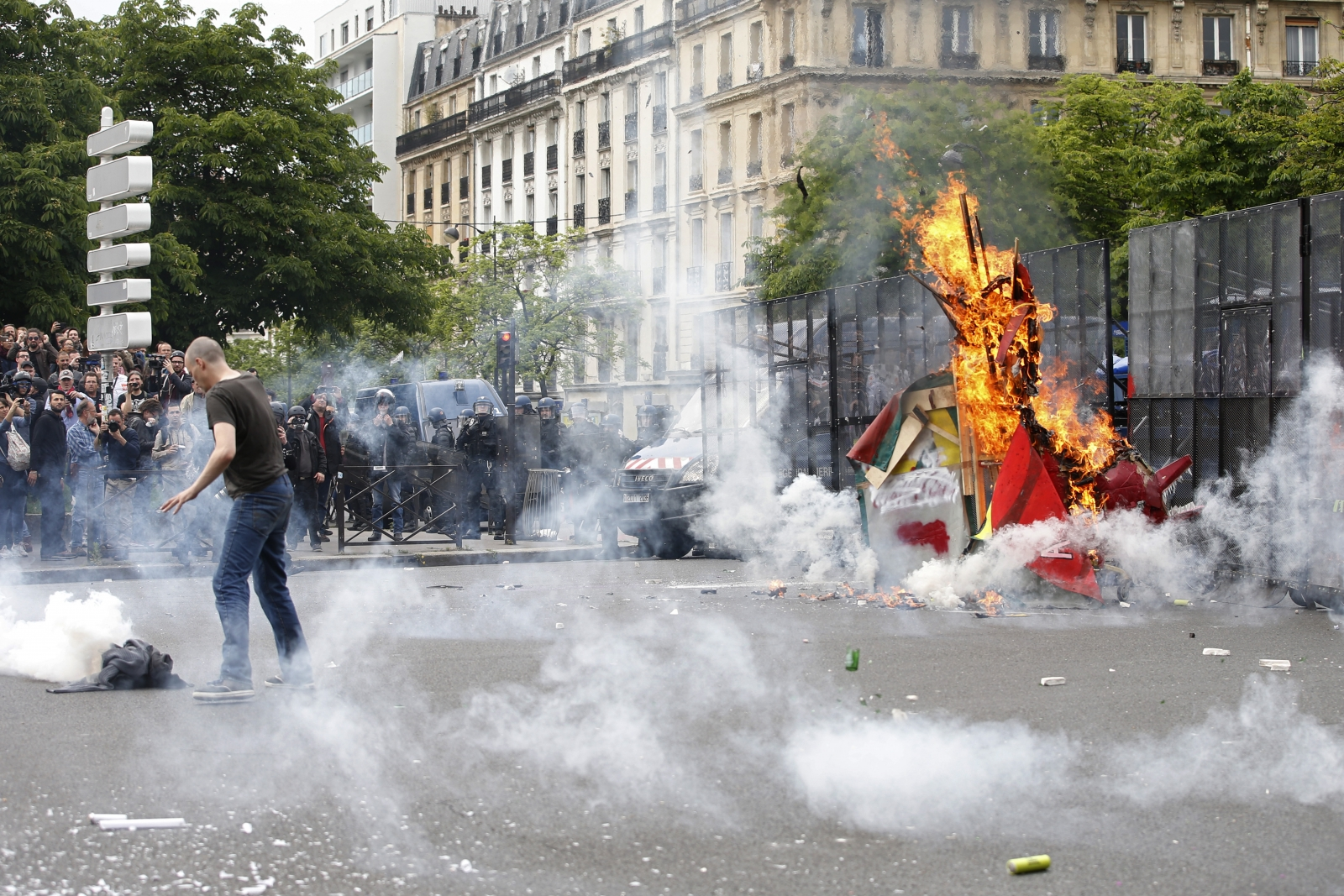 Tear gas fired by French riot police