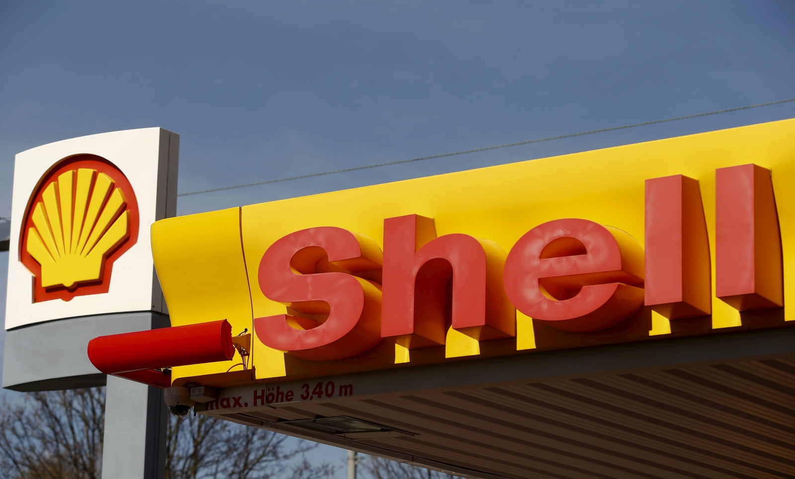 Shell CEO rejects idea to switch its investments from hydrocarbons to renewable
