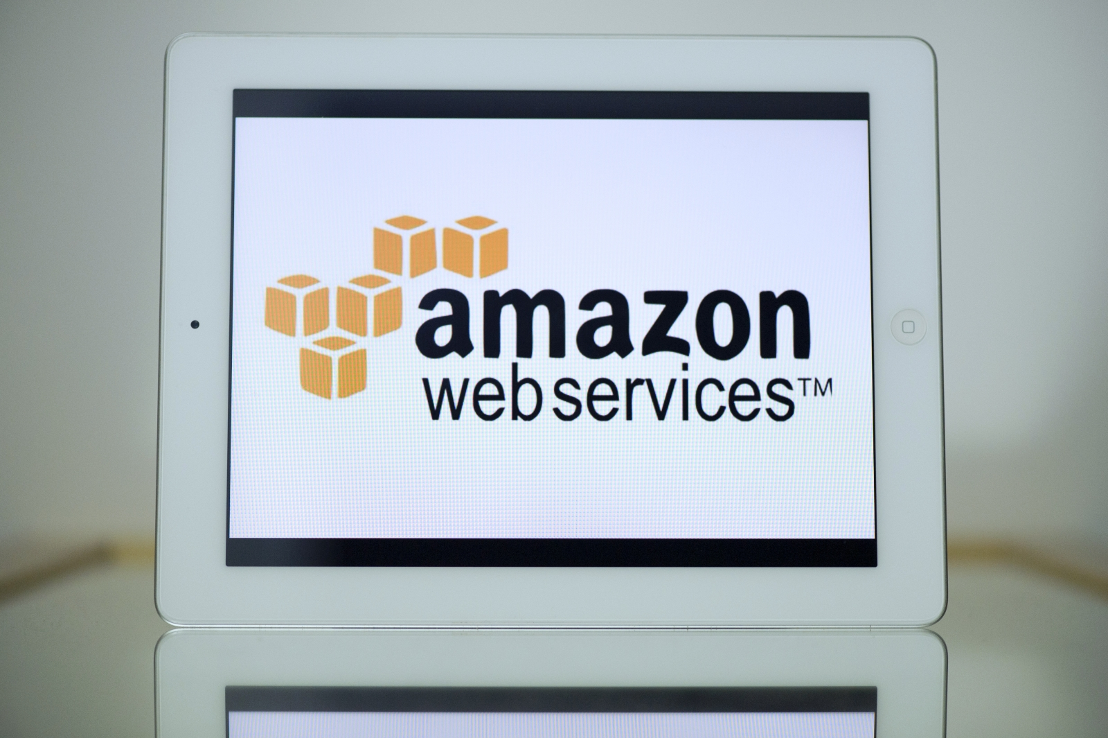 Amazon testing new cloud services