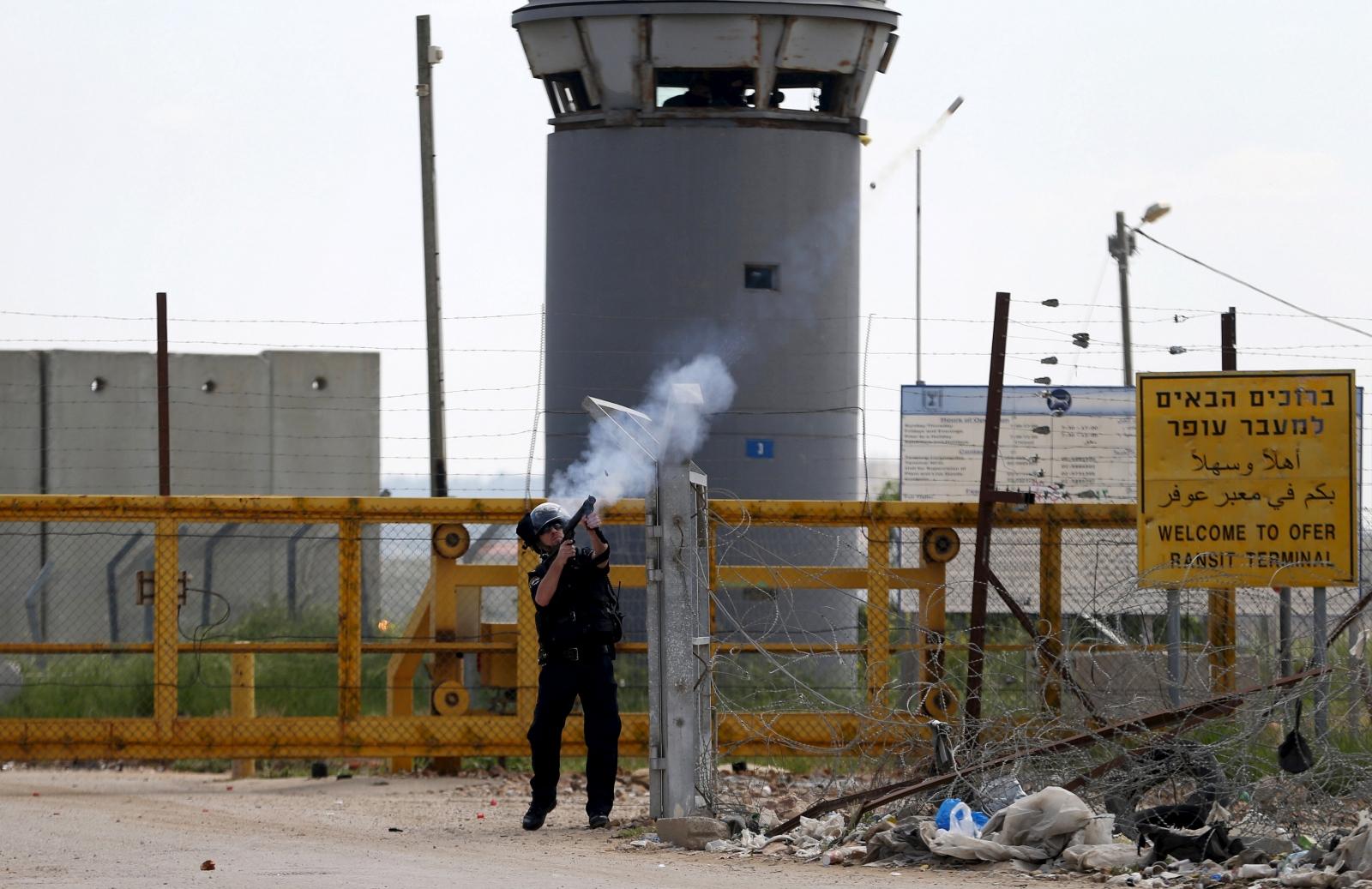 Palestinian professor remains imprisoned in Israel despite court order