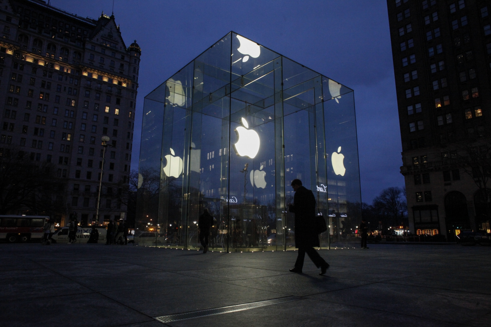 Caltech sues Apple over Wi-Fi technology