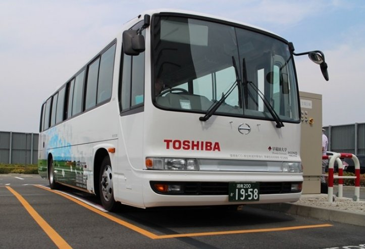 Toshiba trials electric bus