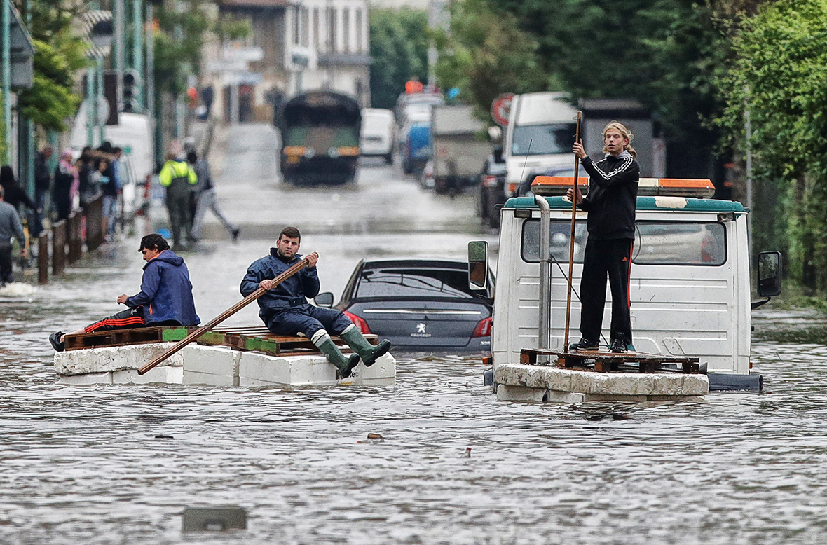 France floods: Fourth person dies as river levels begin to ...
