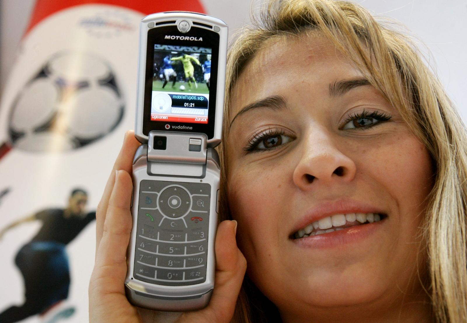 Motorola denies Razr flip phone rumours