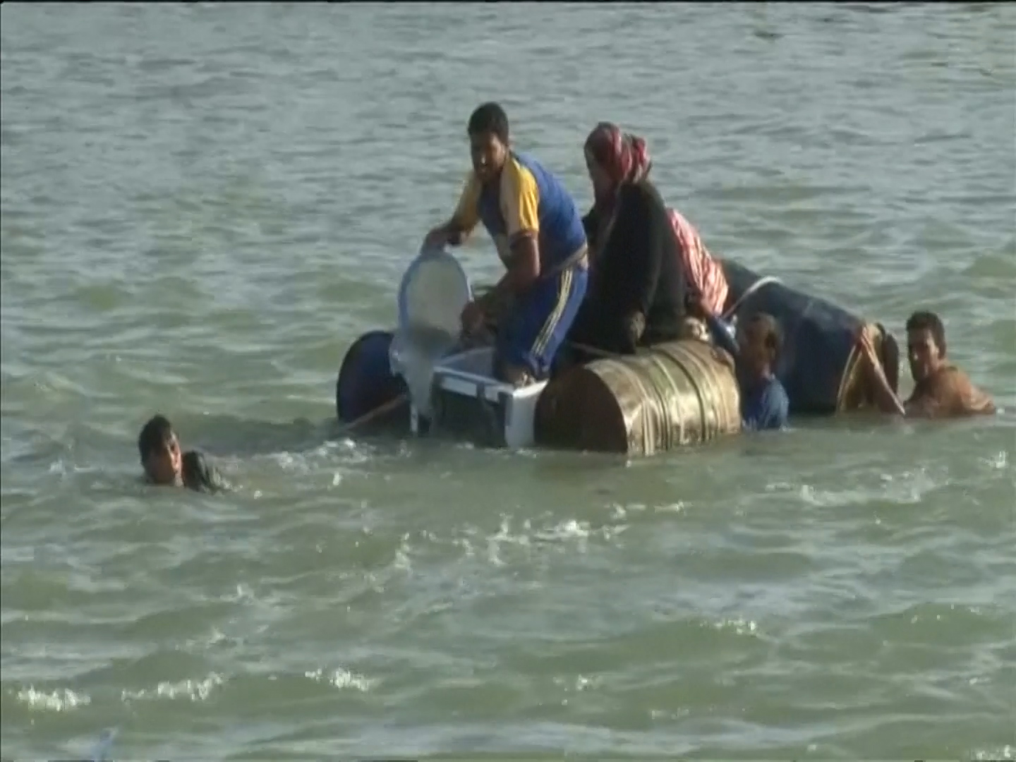 Families trying to escape Fallujah