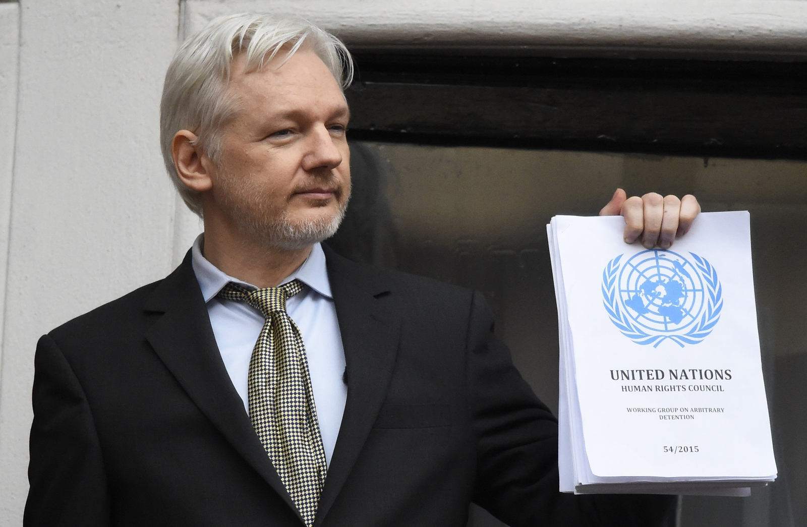 WikiLeaks founder Julian Assange claims Google involved in Hilary Clinton campaign