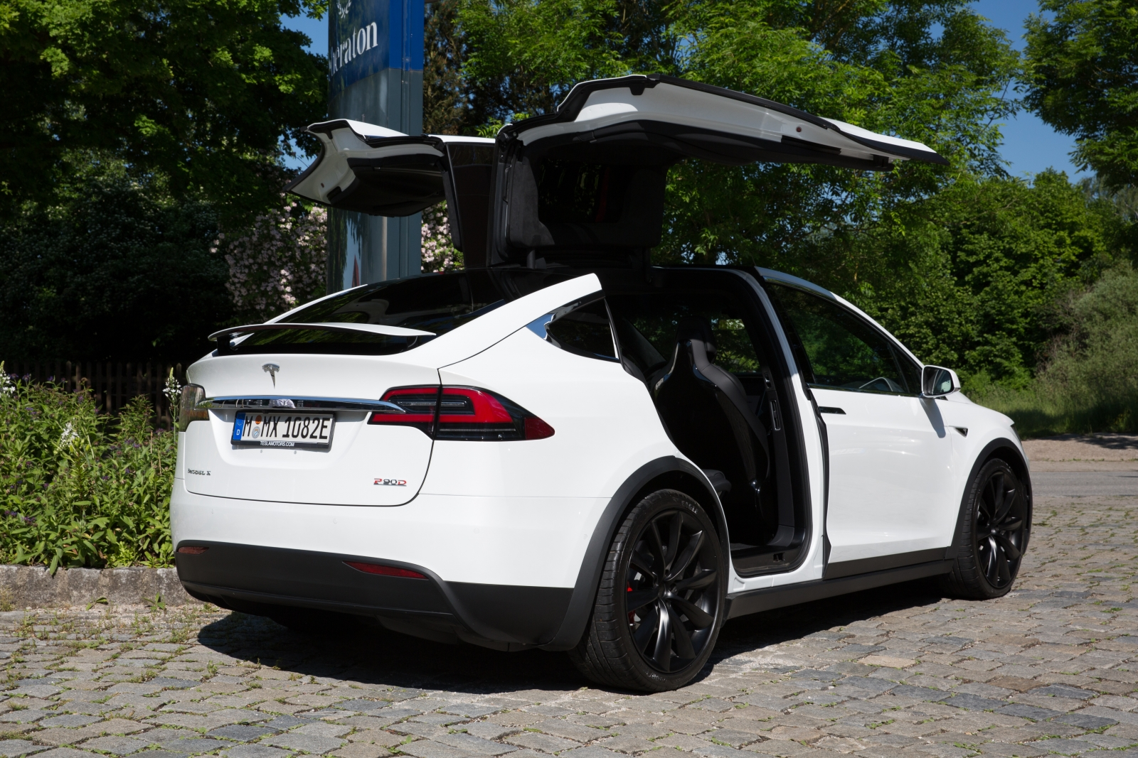 Lemon Law Helps Man Sell Faulty Model X Back To Tesla