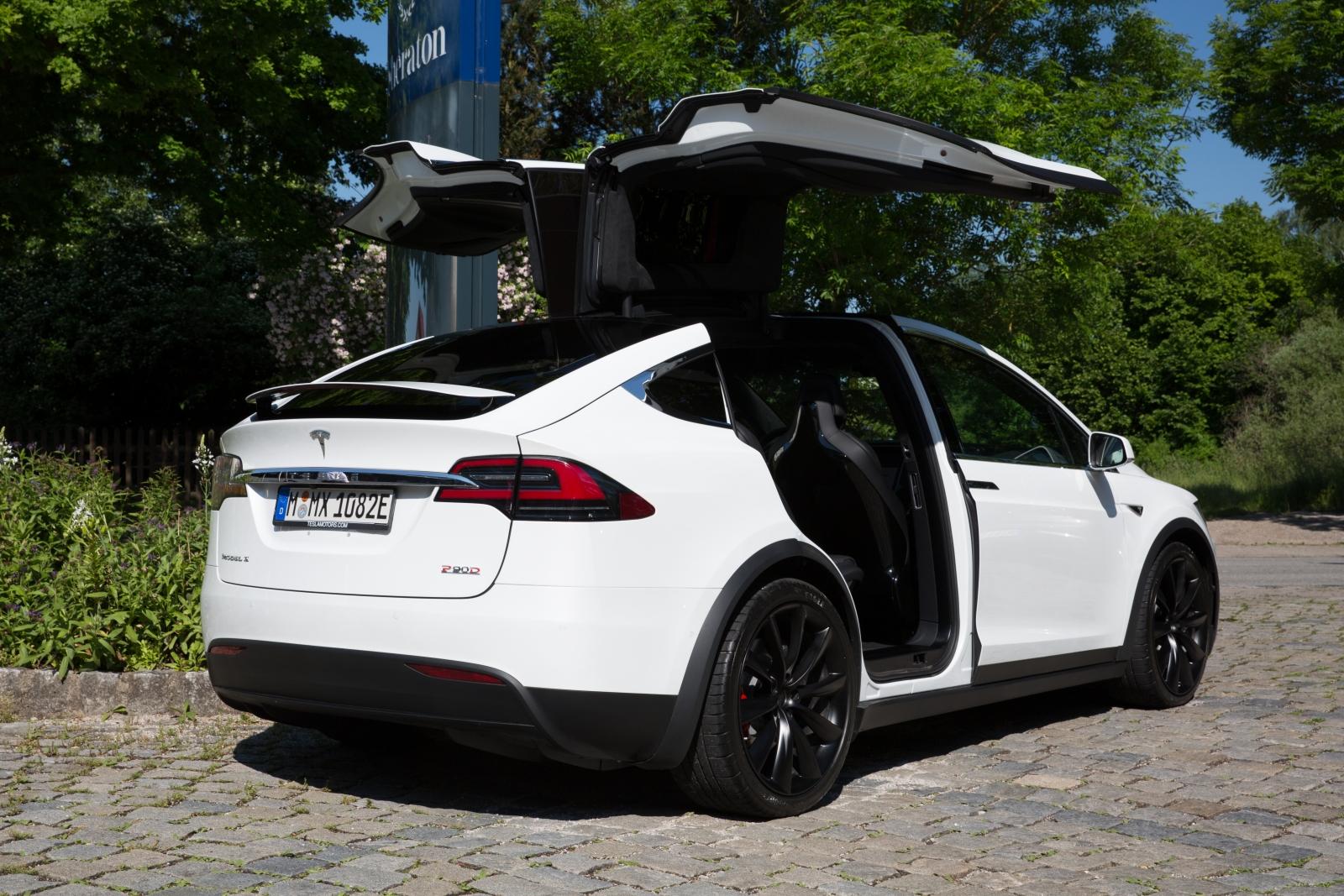 Lemon Law California >> 'Lemon law' helps man sell faulty Model X back to Tesla ...