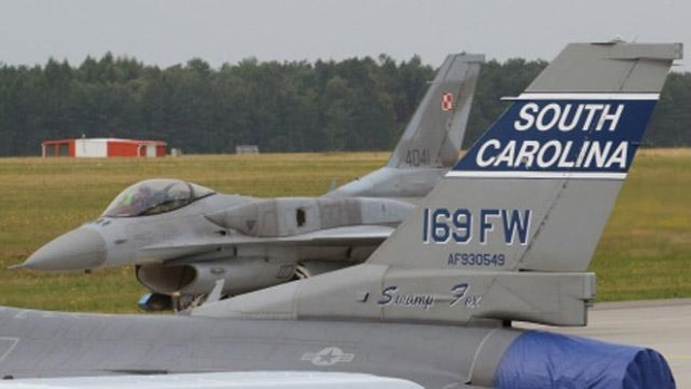 F-16C fighter jets collide