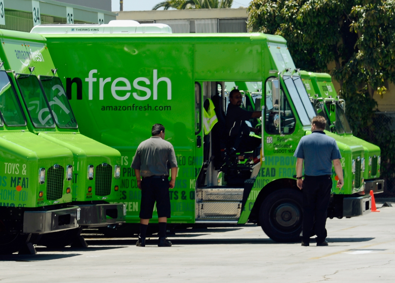 AmazonFresh launches in UK