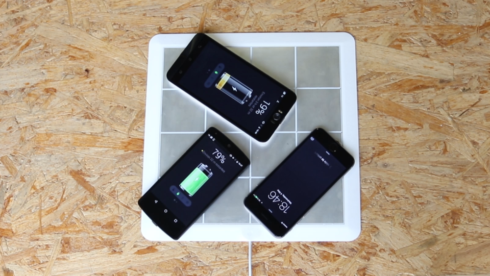 New wireless charging pads can simultaneously charge multi-brand devices