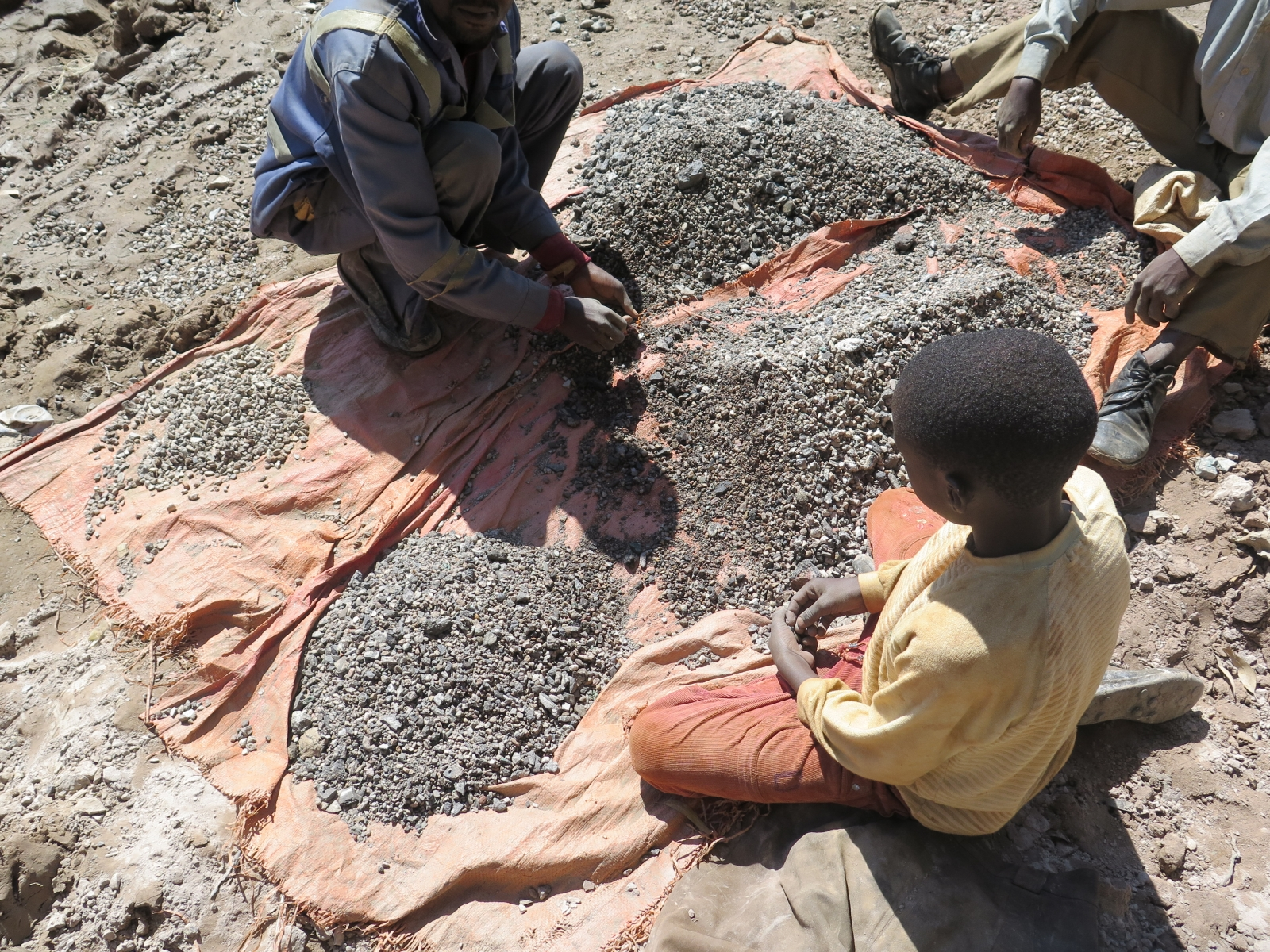 Cobalt mining by child labour in the Democratic Republic of Congo