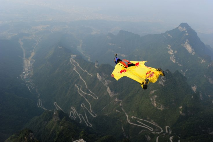wingsuit jumping