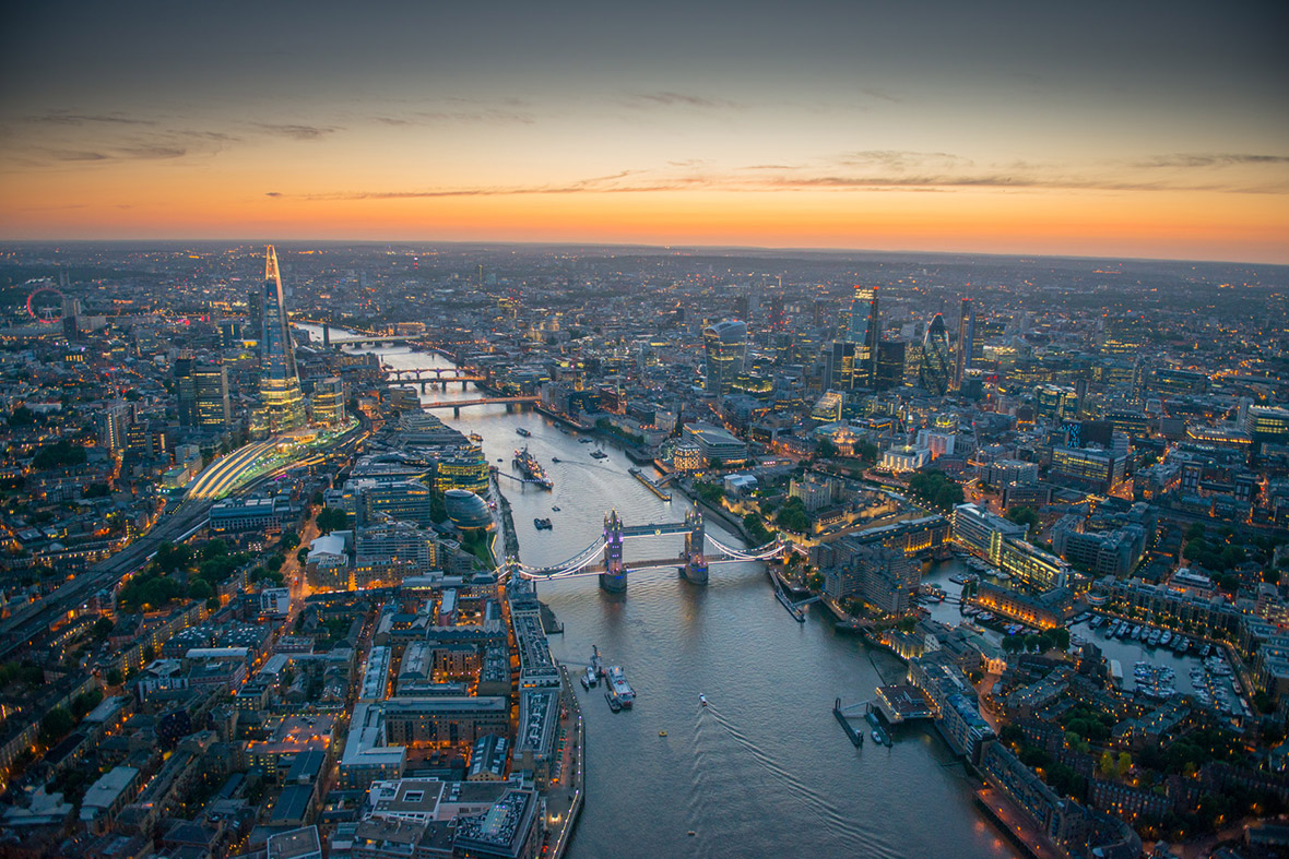 London from the air at night: Jason Hawkes' latest aerial ...