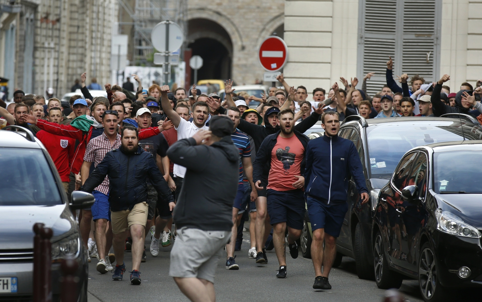 euro 2016 lille hooligans