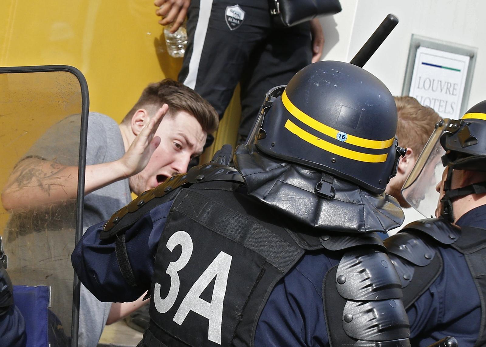 Lille violence