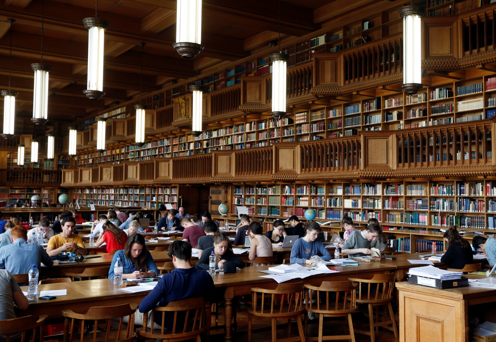 Pearson to target online learning amid a drop in textbook sales