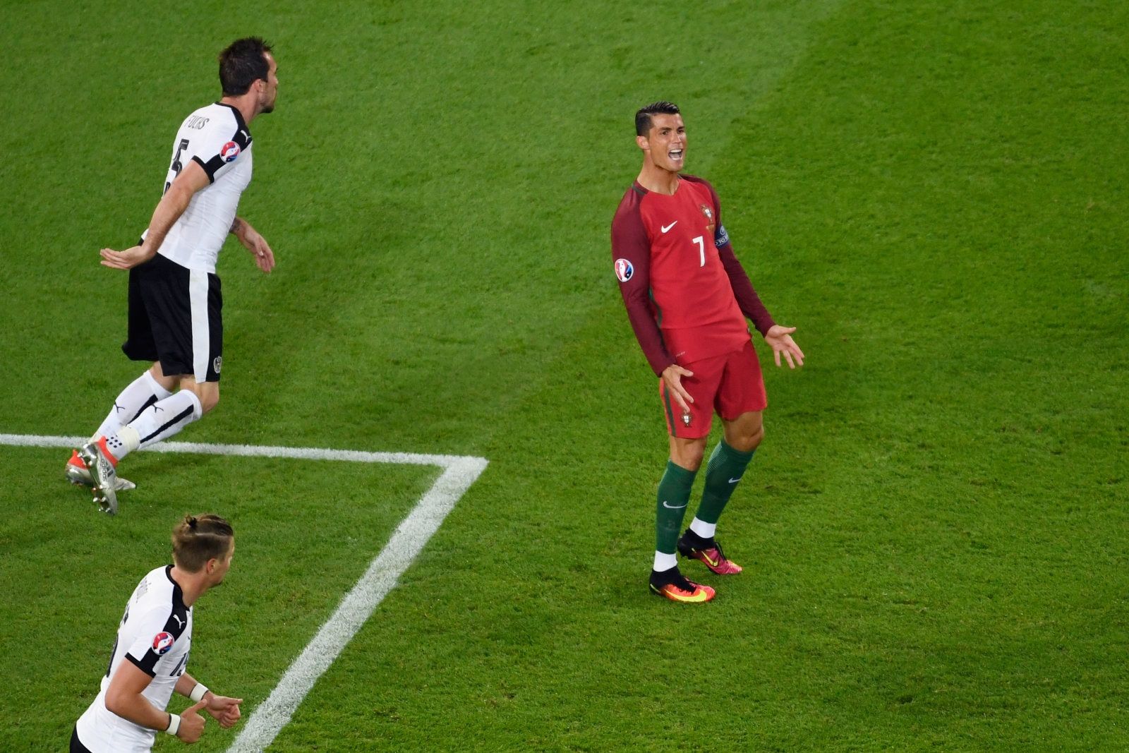 Ronaldo shows his frustration