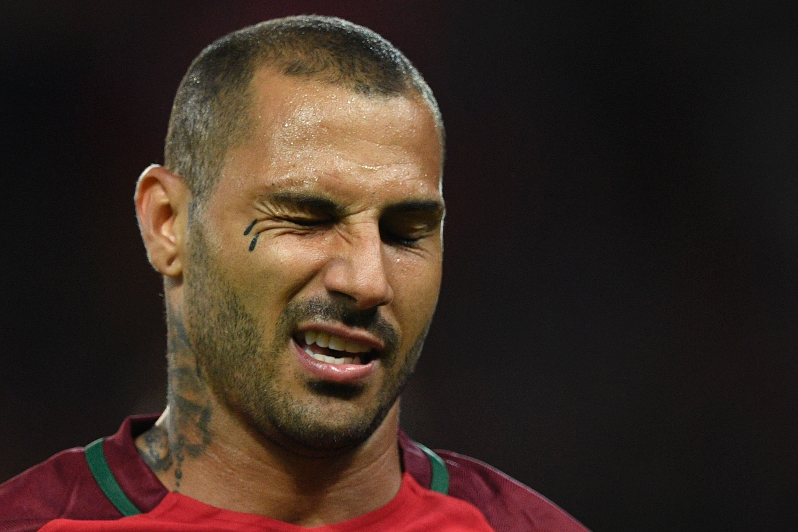 Quaresma makes way for Mario